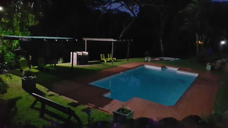 SLEEPS 20-40 -SOUTHPORT-SOUTHCOAST KZN-REF:VN/W/H